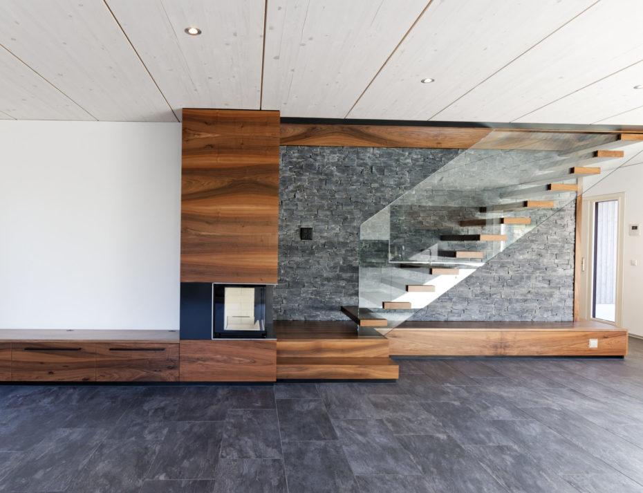 Design moderne de pierre, de bois et de verre