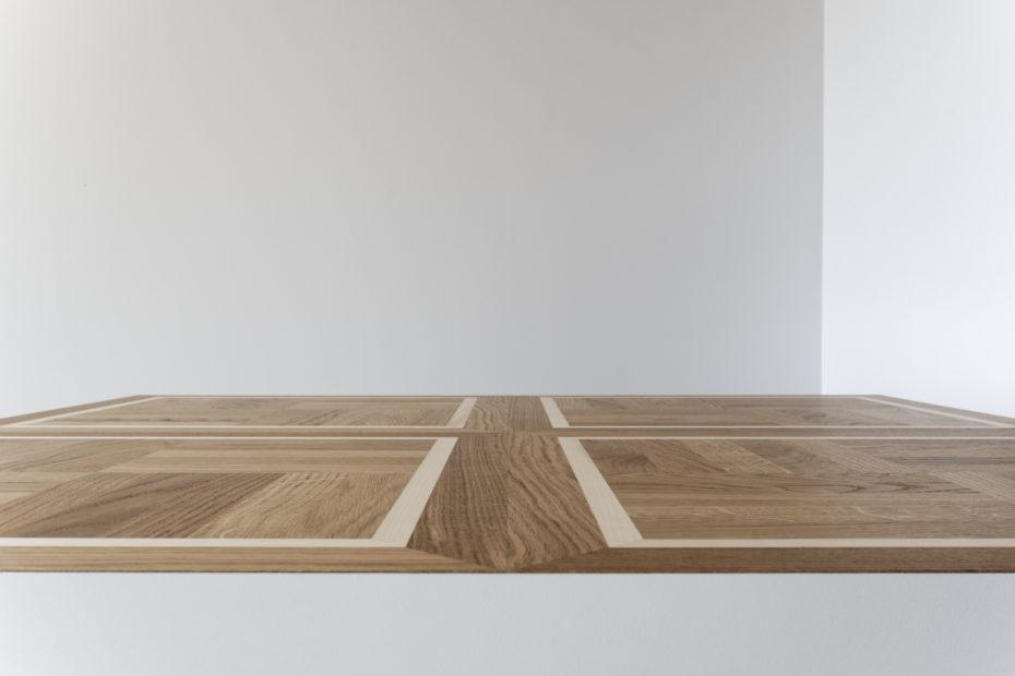 Détail plateau en bois